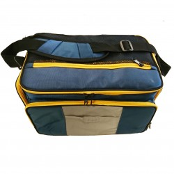 Insulated tackle bag with 4 large boxes